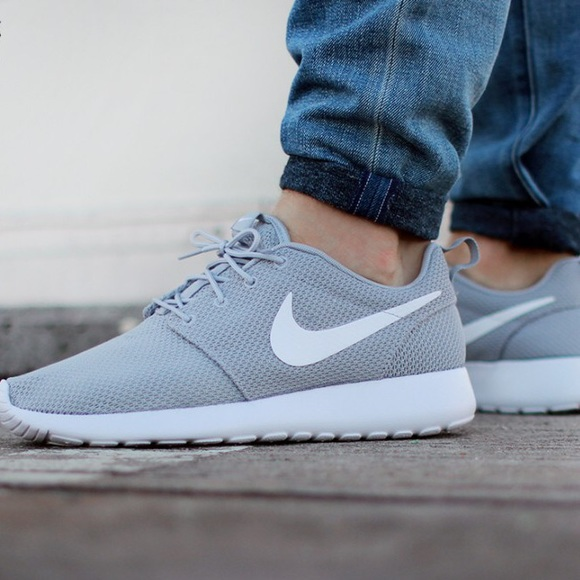 brand new c04f1 8bed5 Nike Roshe One Gray Sneakers